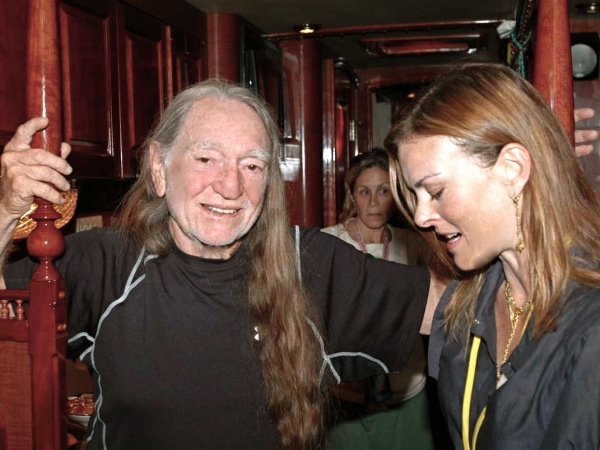 Bio-Diesel 101: Renee Loux with Willie Nelson + Daryl Hannah